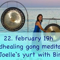 Soundhealing gong meditation in Joelles yurt