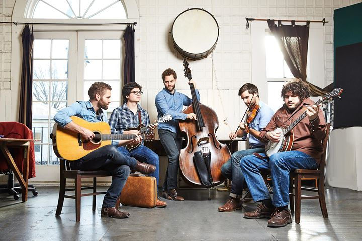 Folk Club with special guests The Lonely Heartstring Band