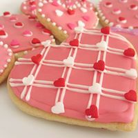 Cake Decorating Classes Kalamazoo : Valentines Day Cookie Decorating Class at Good Cakes and ...