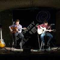 Lewis &amp Dav Live &amp The Fiddlers Elbow