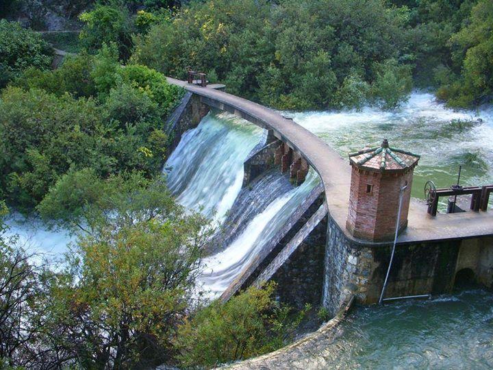Ruta al nacimiento de rio grande yunquera m laga for Polideportivo ciudad jardin malaga