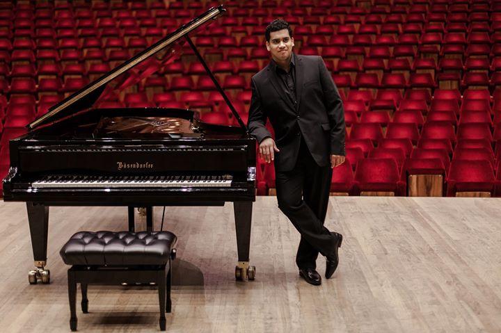 Megan-Geoffrey Prins concert pianist