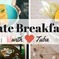 Late breakfast by Tuba