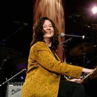 Linda Gail Lewis live med Billy Bremner og band