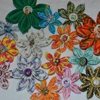 Atelier colorat pentru doamne si domnisoare - brose