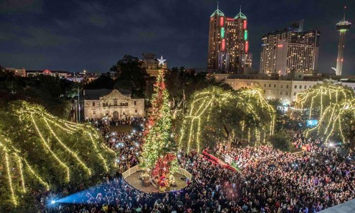 2017 Heb Christmas Tree Lighting At Travis Park San Antonio