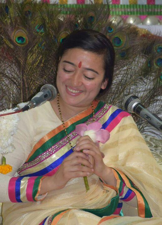 Meditation guru archna didi at arya auditorium new delhi for Arya fine indian cuisine