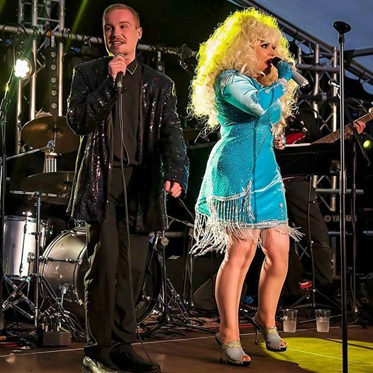 Dollys Rockin Country Club - Main-course & show 32.50