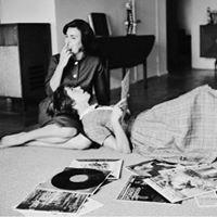 Vintage &amp Vinyl fair at Bantock House