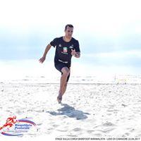 Corsa barefoot-minimalista e allungamento catene muscolari