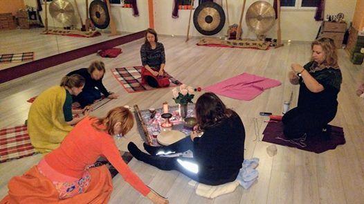 Kobiece wito-warsztaty Sowiaskiej Gimnastyki w Studio Dakini