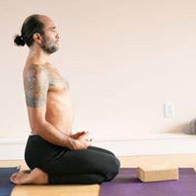 Marco Rojas Yoga