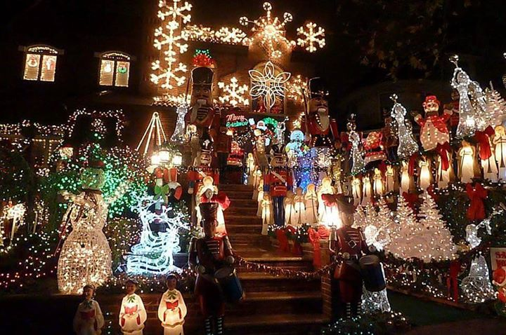 urban hike dyker heights christmas lights 2017 at dunkin donuts brooklyn
