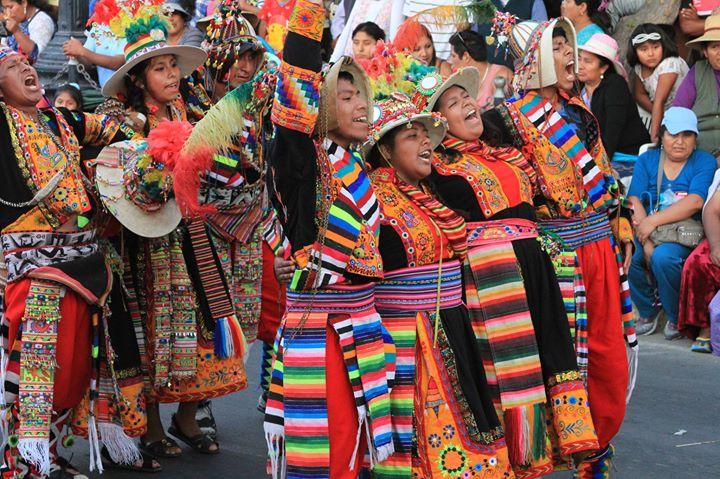 Pasacalle y Concurso de Danzas en Tacna