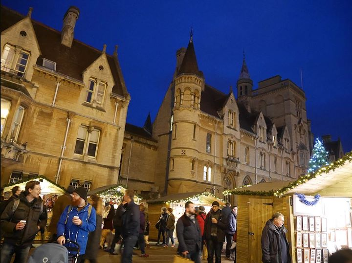 Little Bunny goes to Oxford Christmas Market 2017