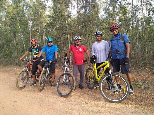 Comfortable 35KM city ride to Lumbini Gardens