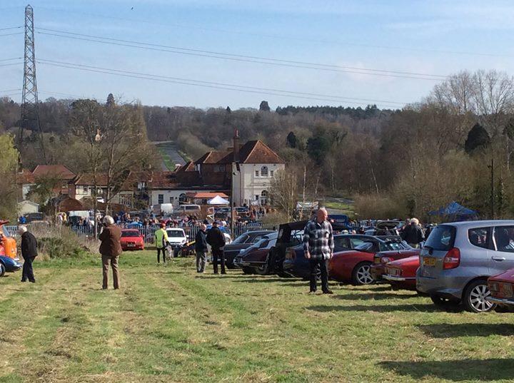 Classic Car Meet At White Lion Antiques Hampshire - Classic car meets near me