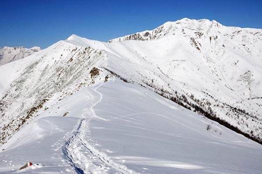 La splendida cresta che porta alla Cima di Bonom