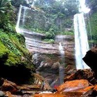 Tekiwit Selaan Waterfall