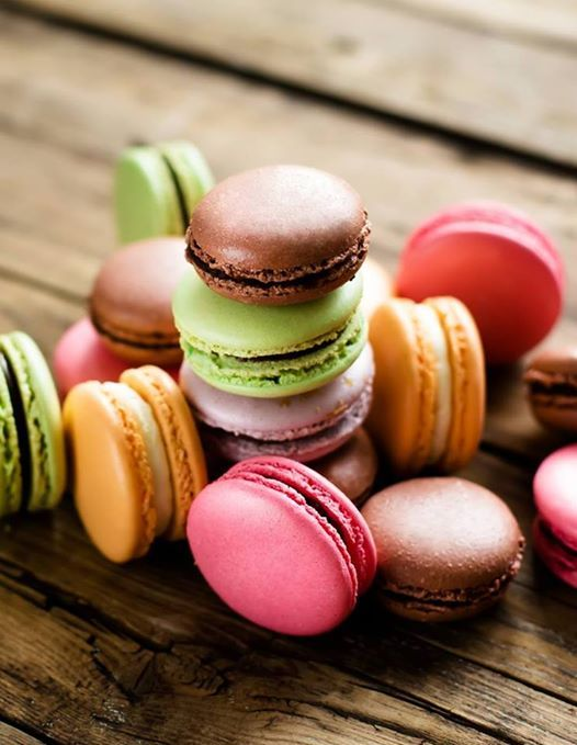 Curs We Love Macarons by Erika G.
