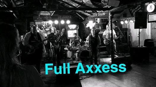 Full Axxess At Jakes Saloon