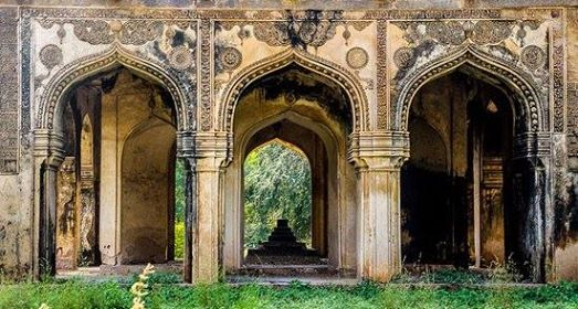 Dastan-e-Ishq a story trail in Qutub Shahi Tombs