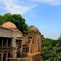 Kissa-e-Hauz Khas from Tughlaq to Tahiliani
