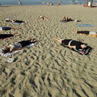 Hatha Yoga In Spiaggia