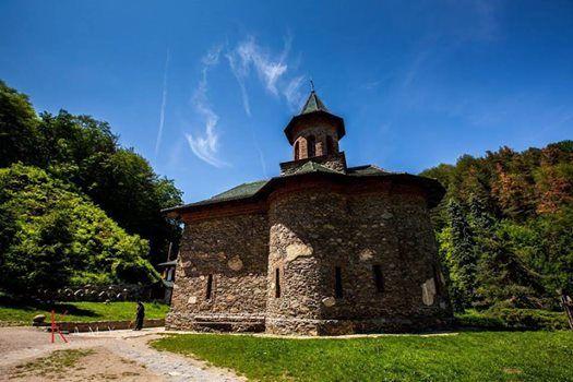 Excursie Manastirea Prislop si Castelul Corvinilor