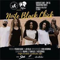 Noite Black Chik Desfile de moda e penteados afro.