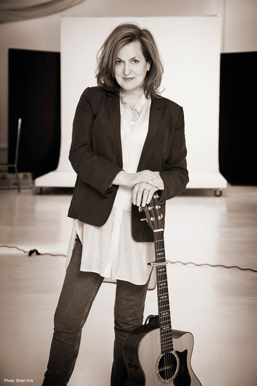 Barbara Dickson in Concert with Full Band