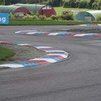 Racing the Thruxton Thriller
