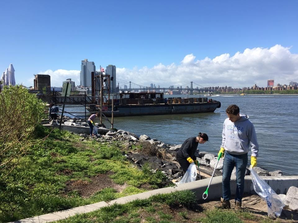Manhattan Little Red Lighthouse Cleanup and Invasive Removal