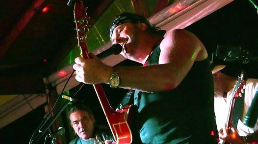 Irish Bob Back At McGintys Bar