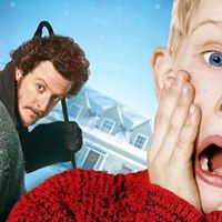 BeachFront Cinema - Home Alone  Meet Santa