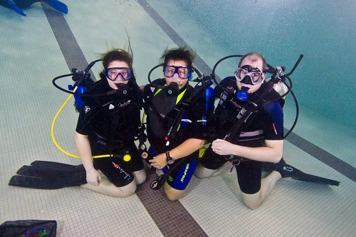 Club Oasis Sunday Pool Session At Elmwood Kildonan Pool Winnipeg