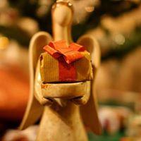 Holistic Christmas Shopping Day