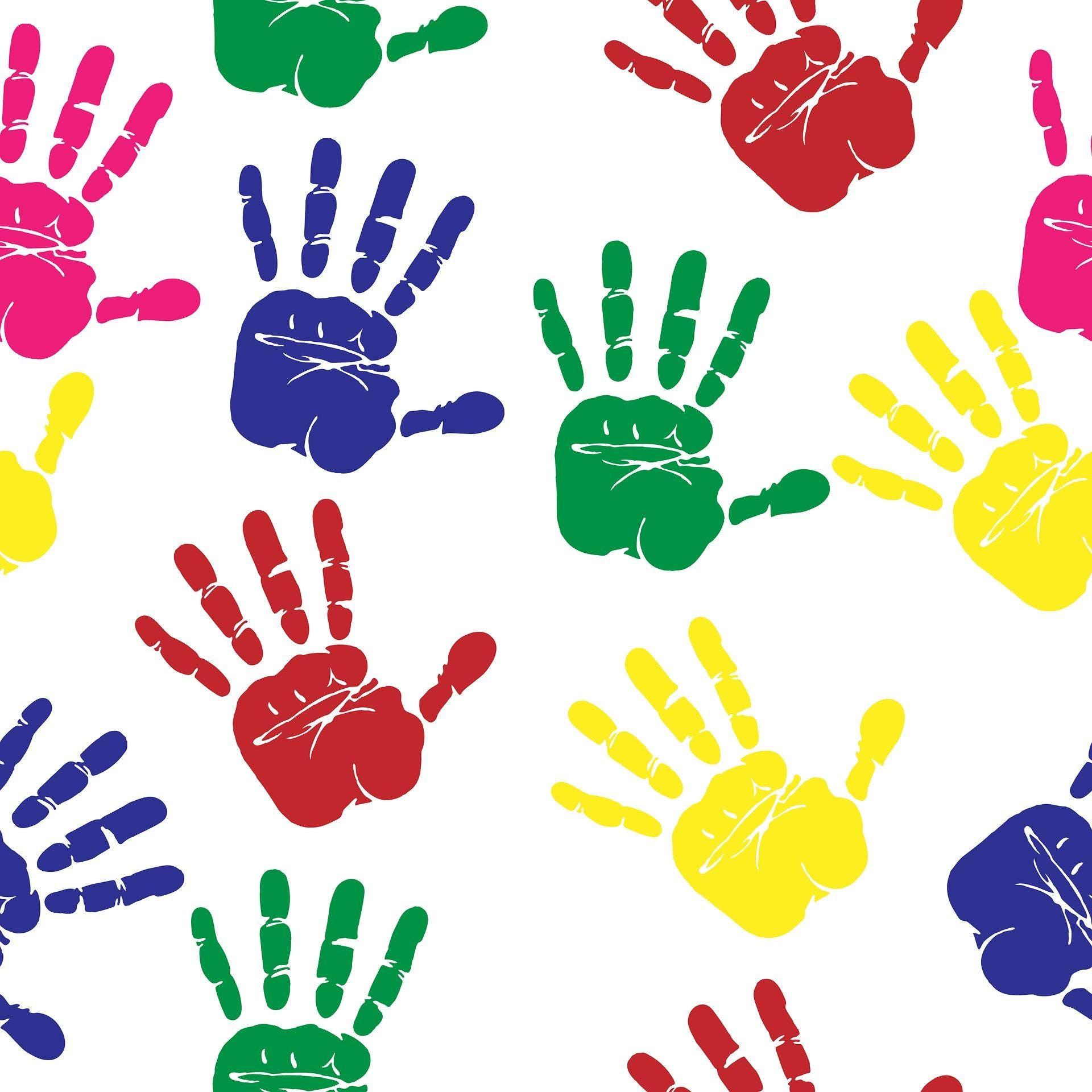 Картинка разноцветные ладошки