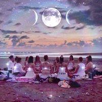 Crculo de Mulheres em Itacoatiara Banho de Lua Cheia c Graziela Calis
