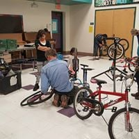 Bike Repair Workshop  Reparacin de Bicicletas  Mission View