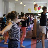 Vinyassa yoga with Anais