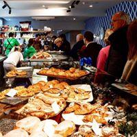 Savouries &amp Cakes at Fabulous Heidis Cafe and Farnham Park walk