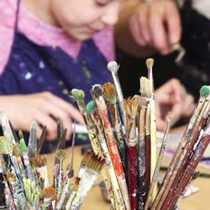Art Program Open Art Making for Families