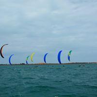 Hydrofoil Yas Race