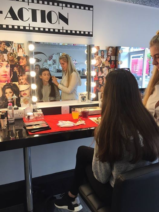 Makeup Workshop For The Teens