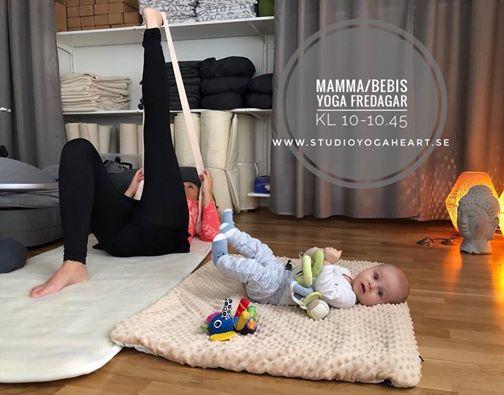 MammaBebis-yoga med Ulrika Studio Yogaheart