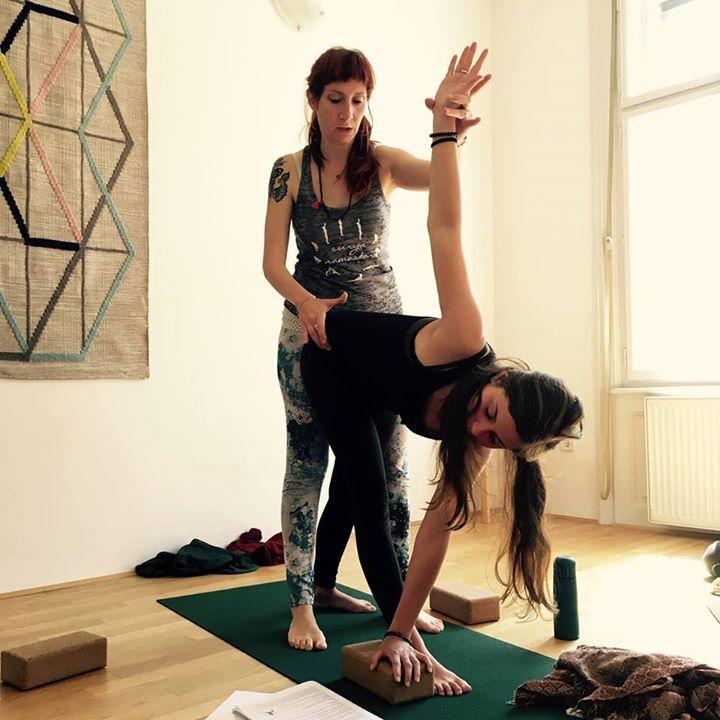 Napredno usposabljanje za uitelje joge RYS (300 ur)