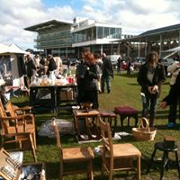 Wetherby Racecourse - Antique Collectors &amp Vintage Fair
