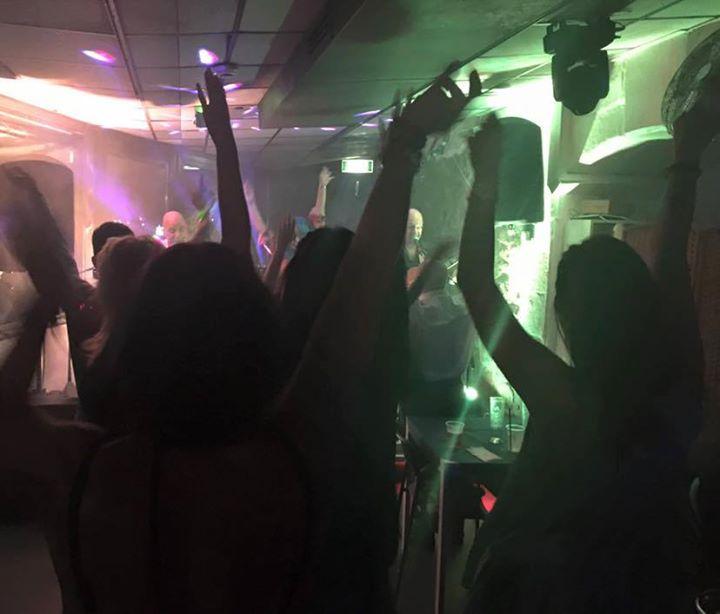 Inaugurazione del Sabato DJS SET Old School