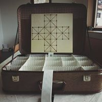 Brezplana delavnica Poln kufer starih igra